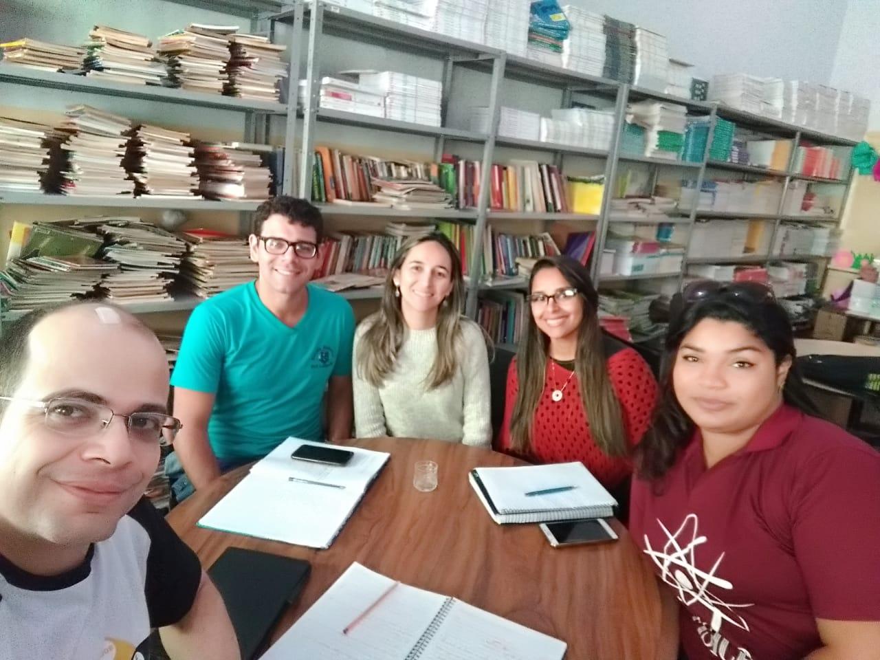 Foto com participantes das equipes